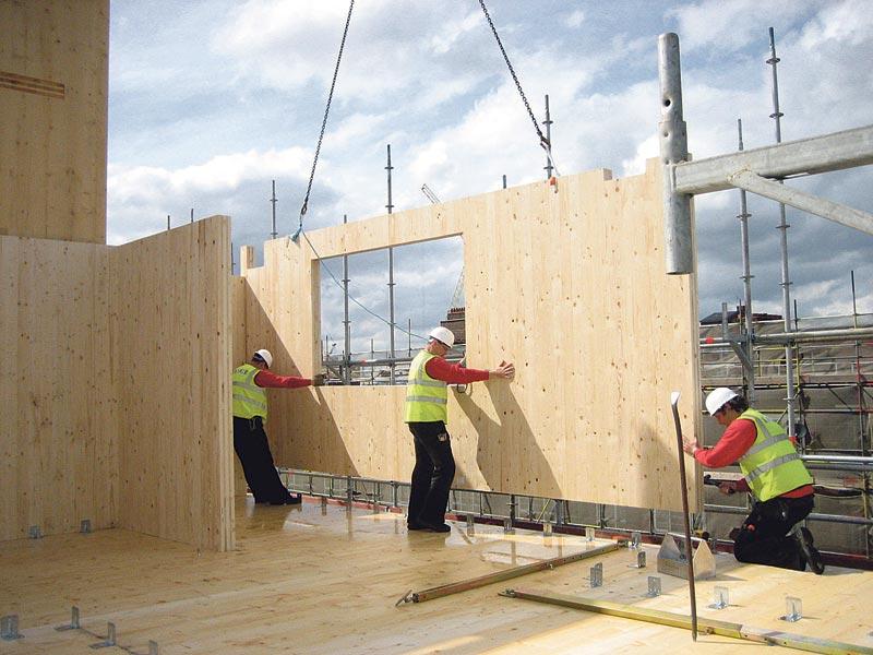 Intalación de un panel de CLT prefabricado
